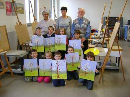 anno 2014 Lezione di Pittura ai bambini della scuola materna di Cuggiono, presso il Laboratorio del Gruppo Artistico Occhio, Aprile 2014.