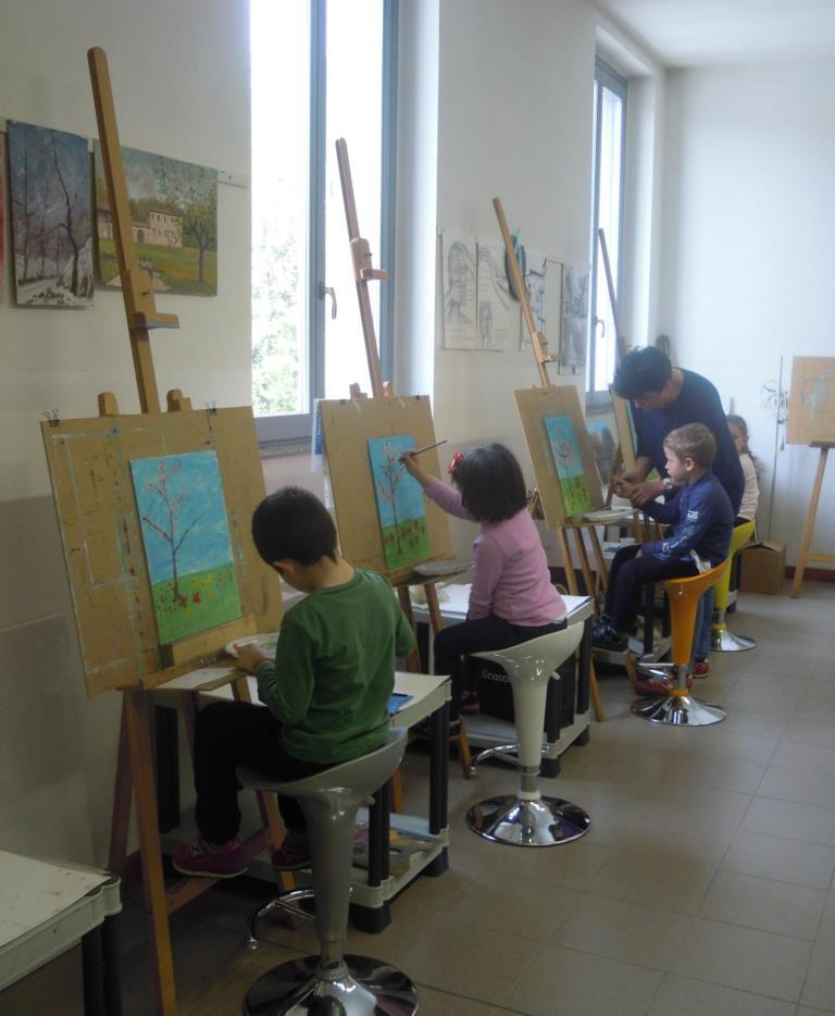 anno 2016 Lezione di Pittura ai bambini della scuola materna di Cuggiono, presso il Laboratorio del Gruppo Artistico Occhio, Aprile 2016.